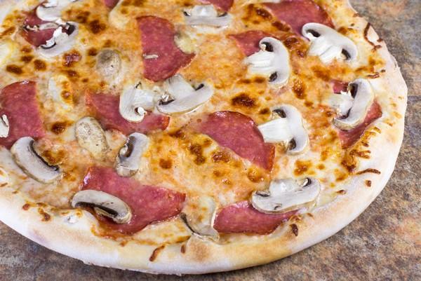 08. Pizza Funghi Salami