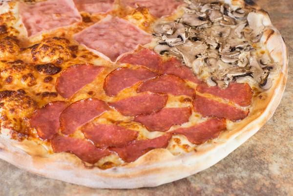 09. Pizza Quatro Stagioni