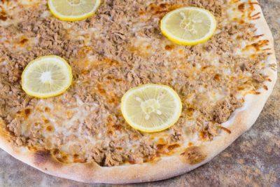 Pizza Tonno - Pizzeria Napoleon Timisoara