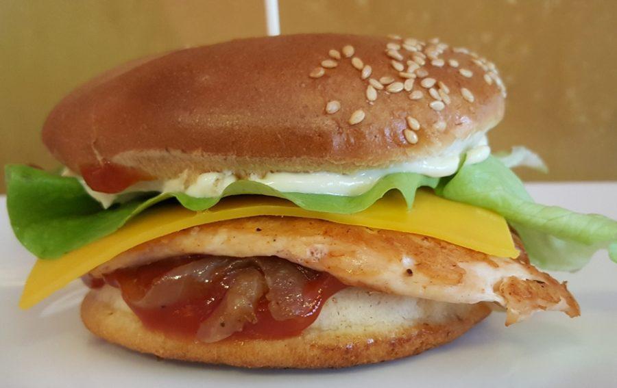 15. Hamburger Piept de Pui