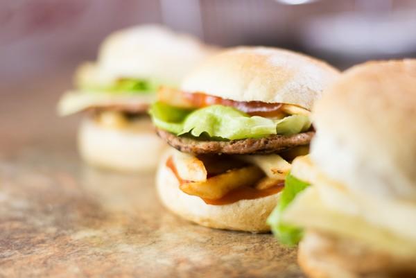 02. Hamburger Picant