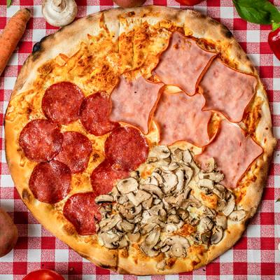 Pizza Quattro stagioni - Pizzeria Napoleon Timisoara