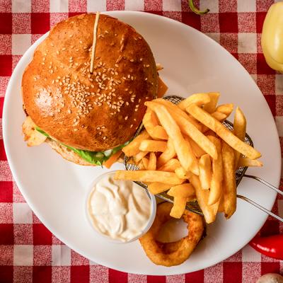 Meniu Hamburger cu Sunca si Cascaval