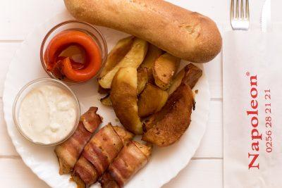 Piept de Pui in Bacon - Napoleon Timisoara